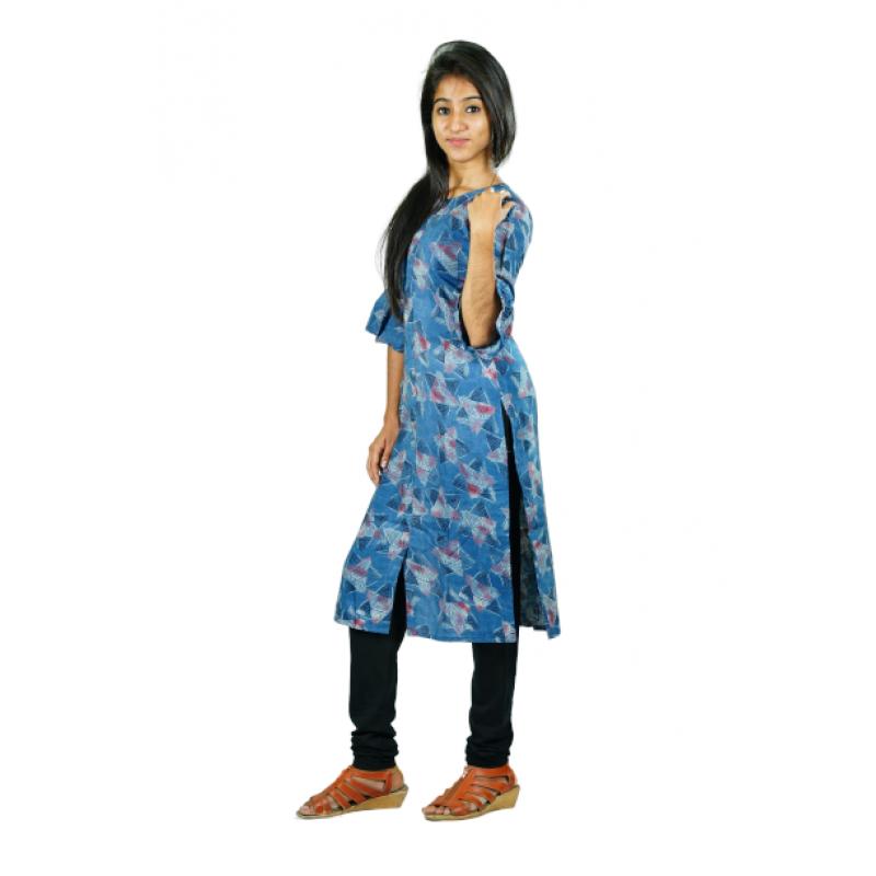 Hurryguru Women Blue Triangle Rayon Kurti
